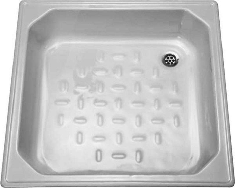 Установка готового поддона значительно облегчает отведение использованной воды в сливную яму