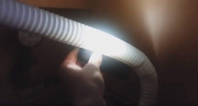 Трубку можно просветить при помощи мощного фонарика