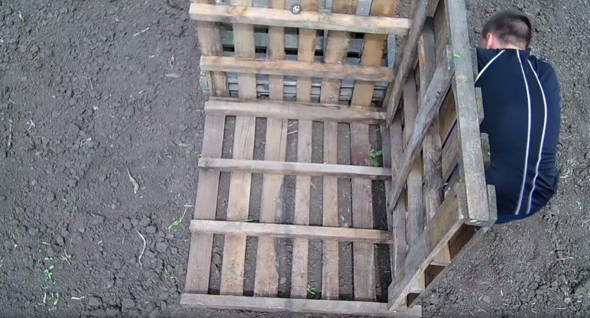Присоединение стенок каркаса бака ко дну