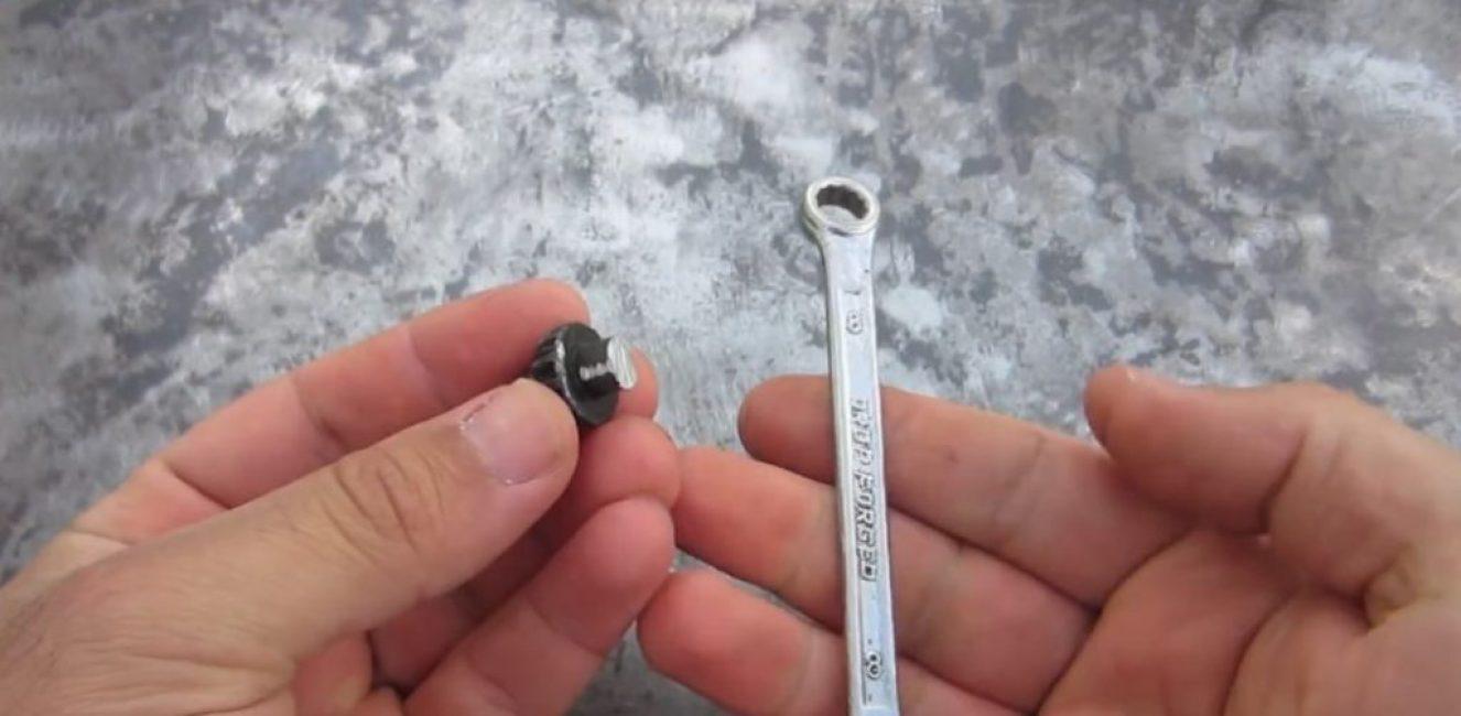 Рожково-накидной ключ на 8мь