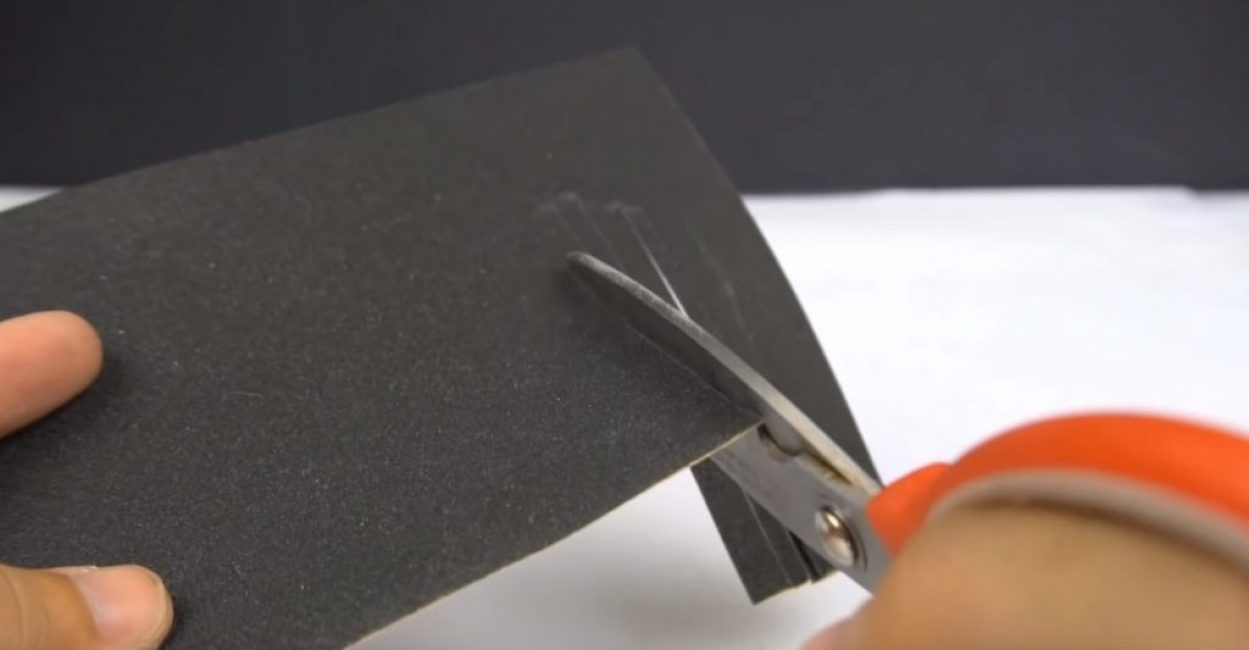 Заточка наждачной бумагой