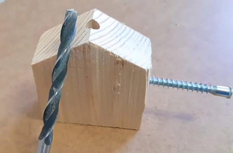 Приспособление для заточки из деревянного бруска