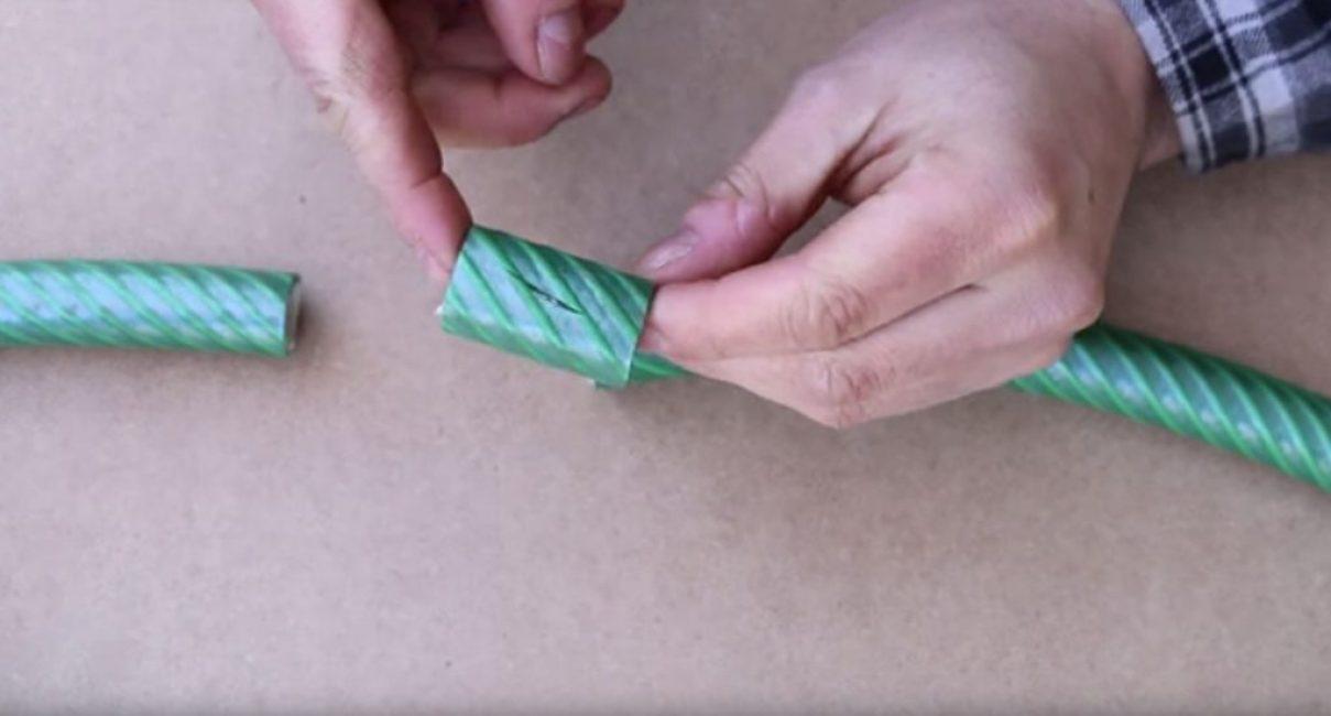 Разрезанный шланг с удалённым повреждённым участком