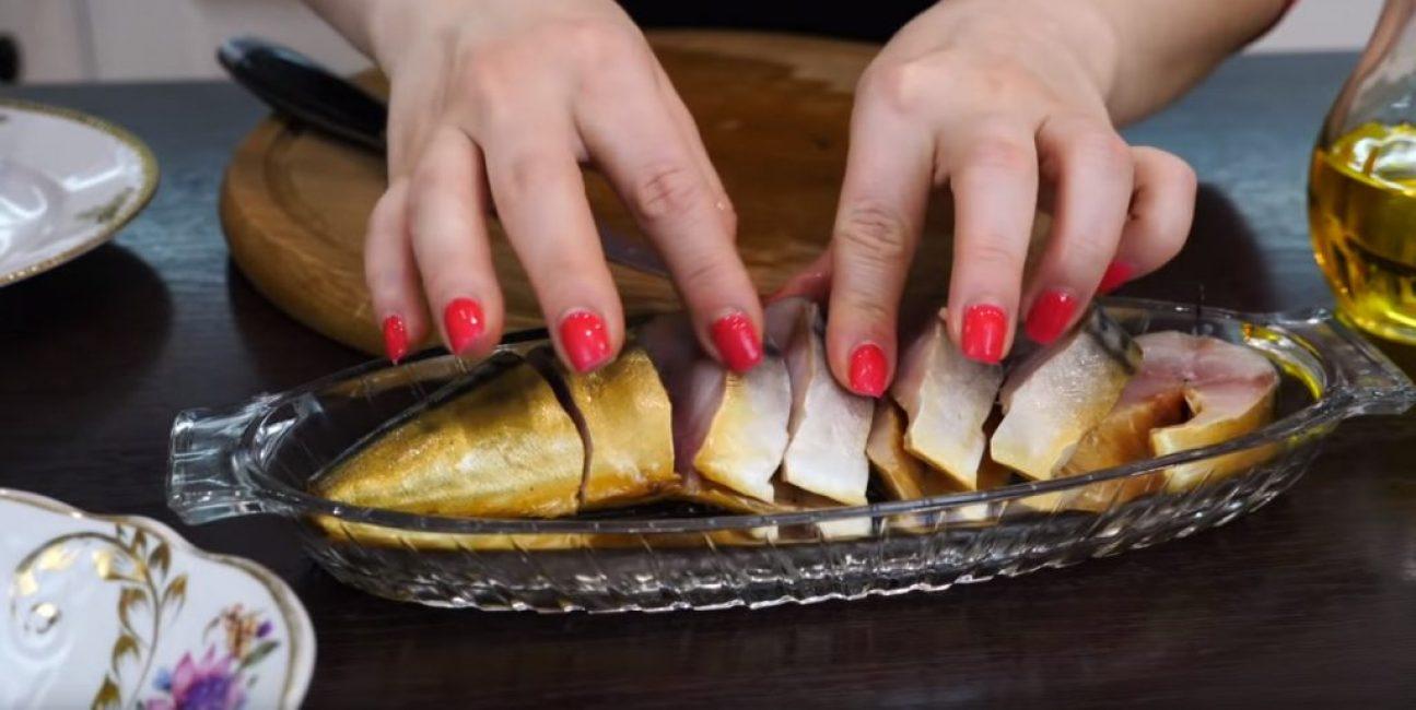 Рыба на селёдочнице