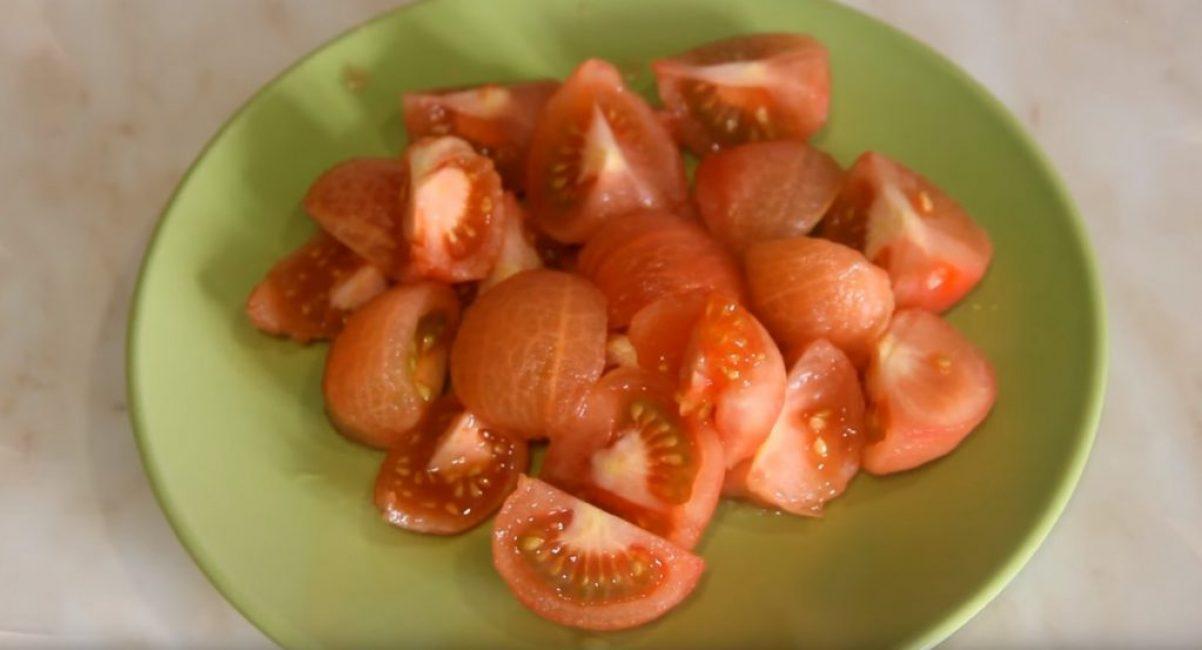 Готовые к приготовлению помидоры