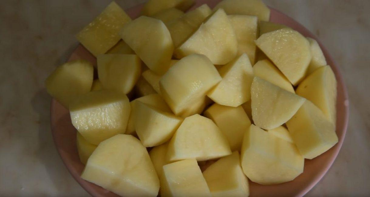 Картофель крупными кусочками