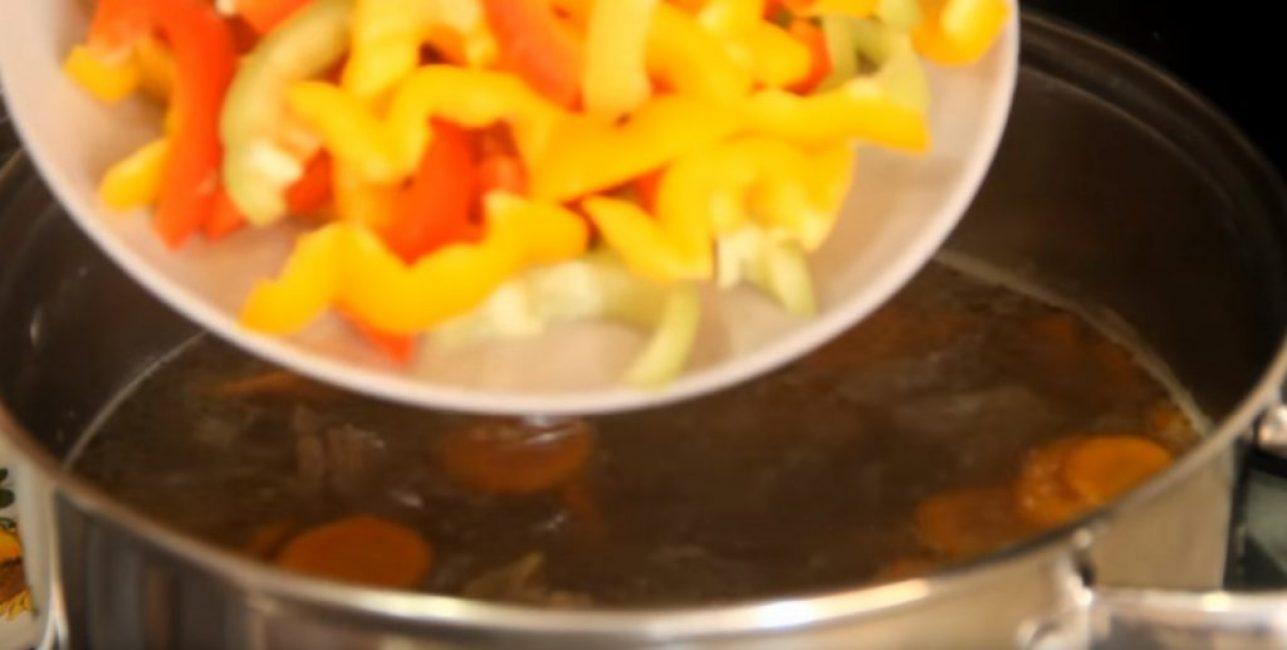 Добавляют болгарский перец