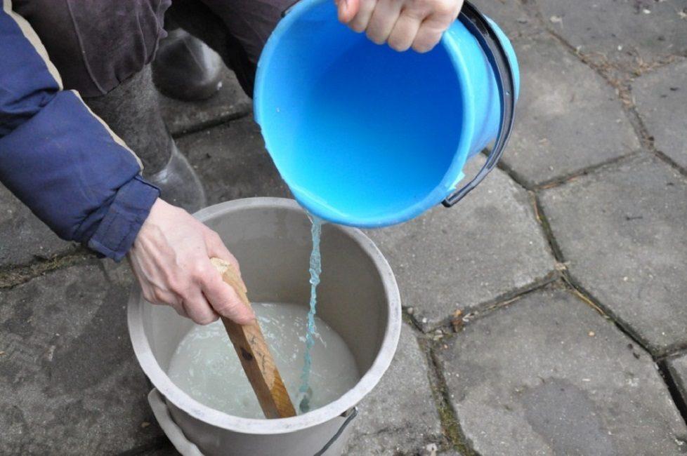 Приготовление состава для опрыскивания на основе медного купороса