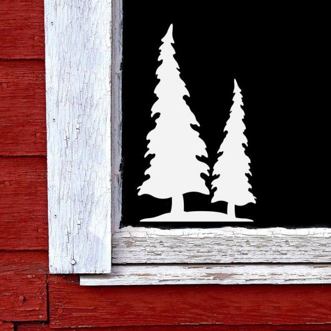 Причудливая лесная картинка сможет скрасить даже самое простое помещение