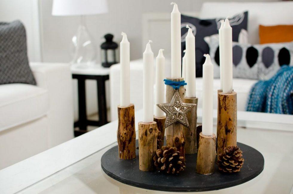 Более выигрышно длинные свечки выглядят в цельной композиции