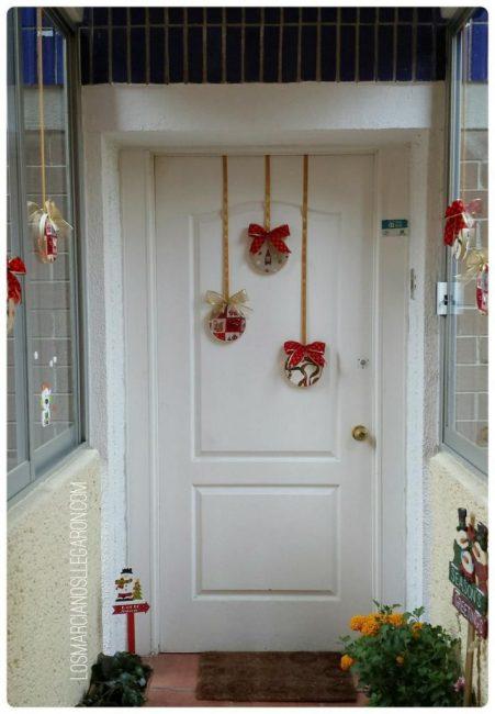 Украшение входной двери