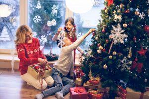 Как украсить елку на Новый год в 2020: советы и цветовые рекомендации по последним трендам | (150+ Фото & Видео)