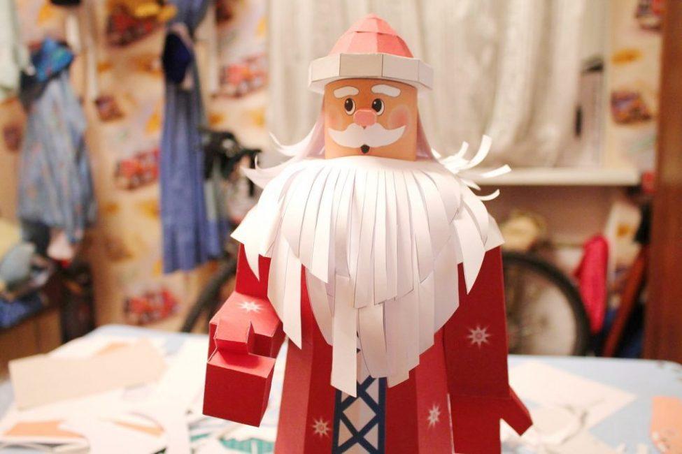 Дед мороз из бумаги