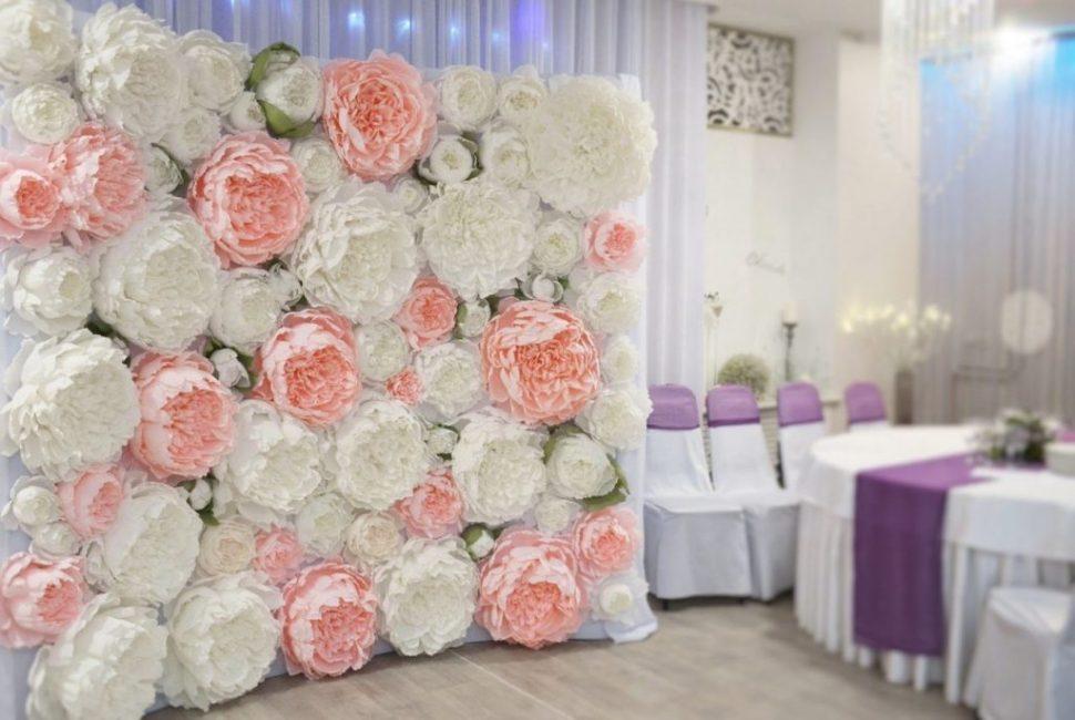 Декорирование бумажными цветами