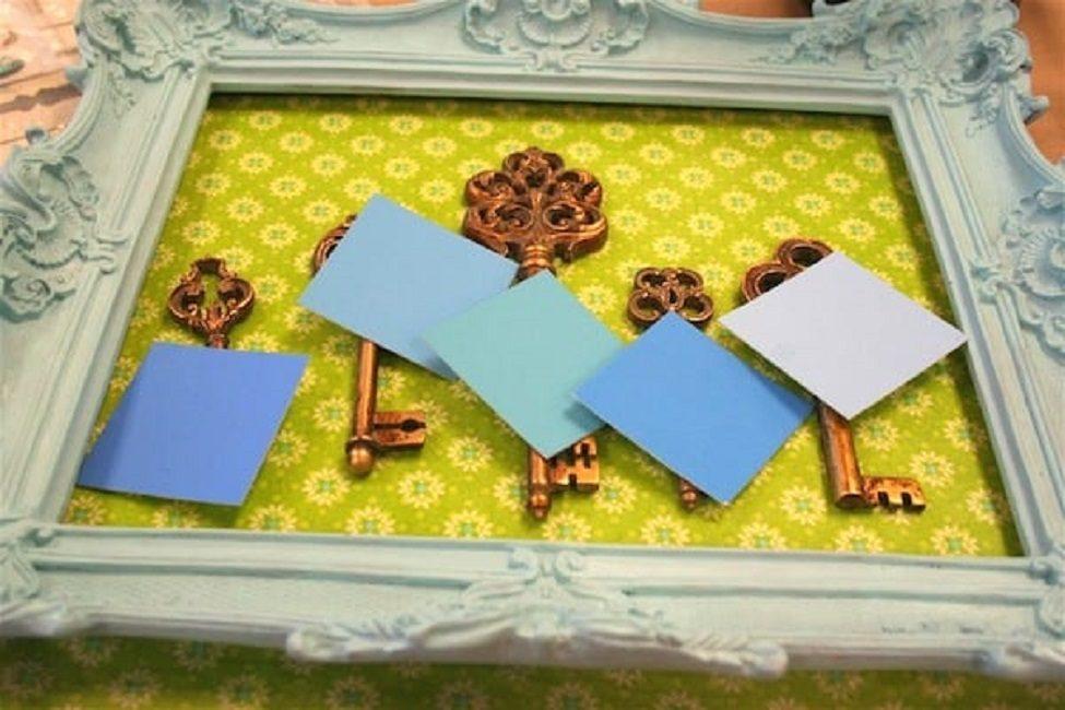 Приклеенные ключи накрывают бумагой, чтобы не попадала пыль при сушке