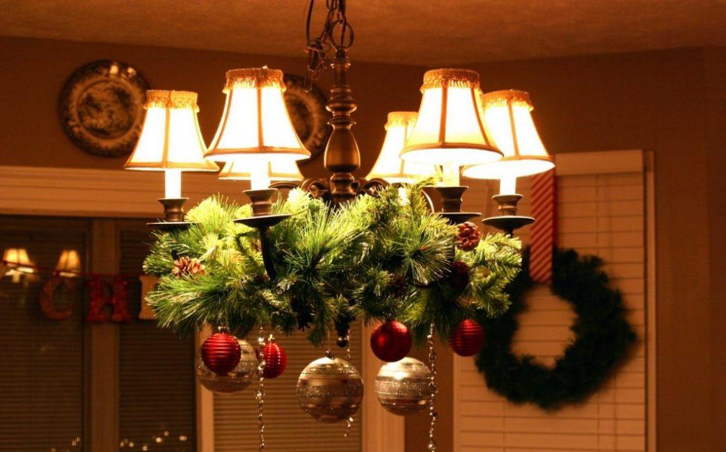 Варианты украшения квартиры на новый год фото