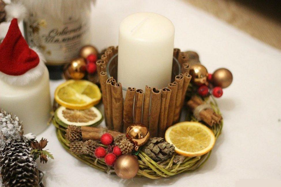 Добавив немного эфирных масел можно создать уникальные ароматизированные свечи