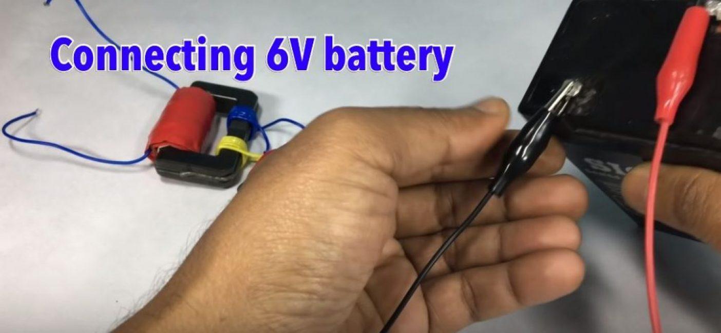 Присоединяем трансформатор к батарее