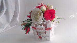 Цветок из квадрата бумаги: как сделать шикарные розы 🌹 для оформления подарка