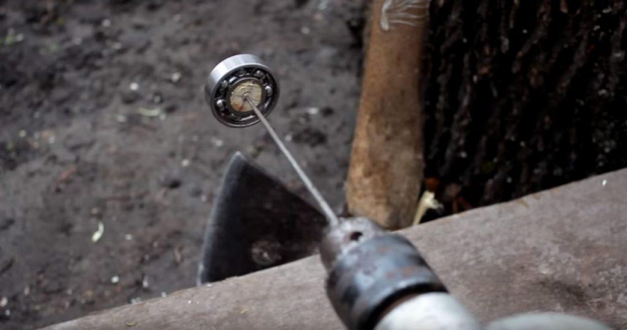 Другой конец надфиля закрепляем в электродрели