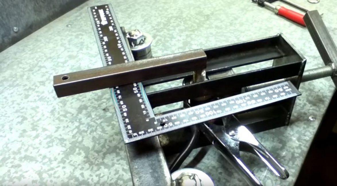 делаем рычаг для механического привода