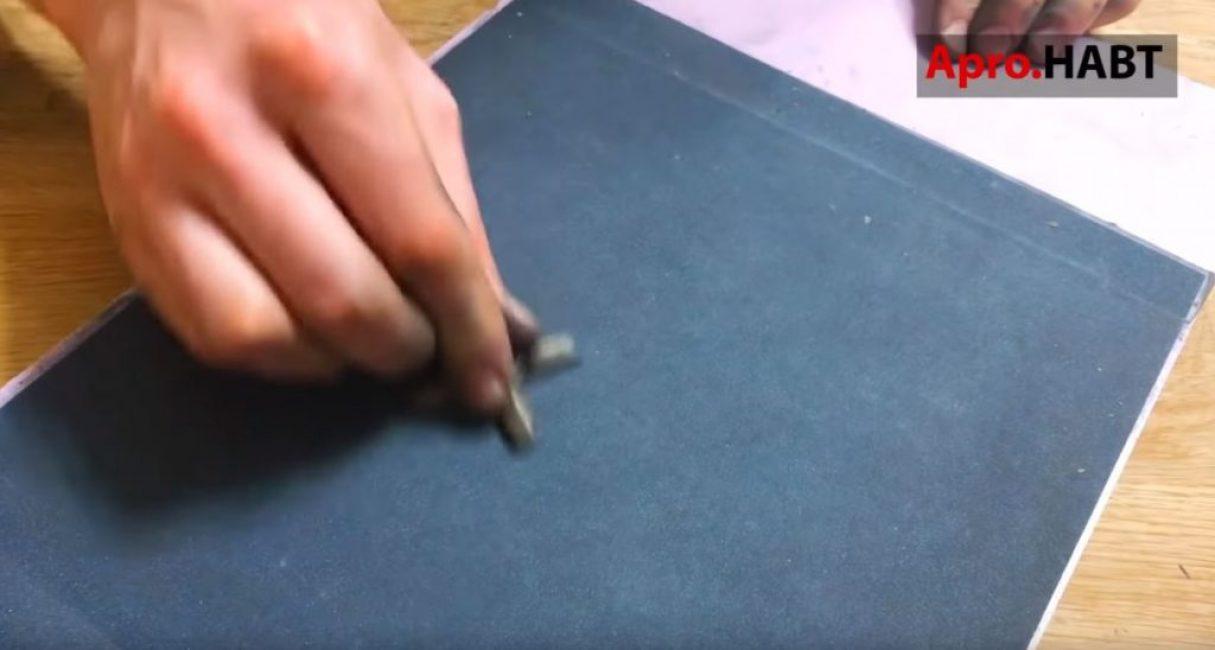 Аналогично сеточке затачиваем и лепестковый нож