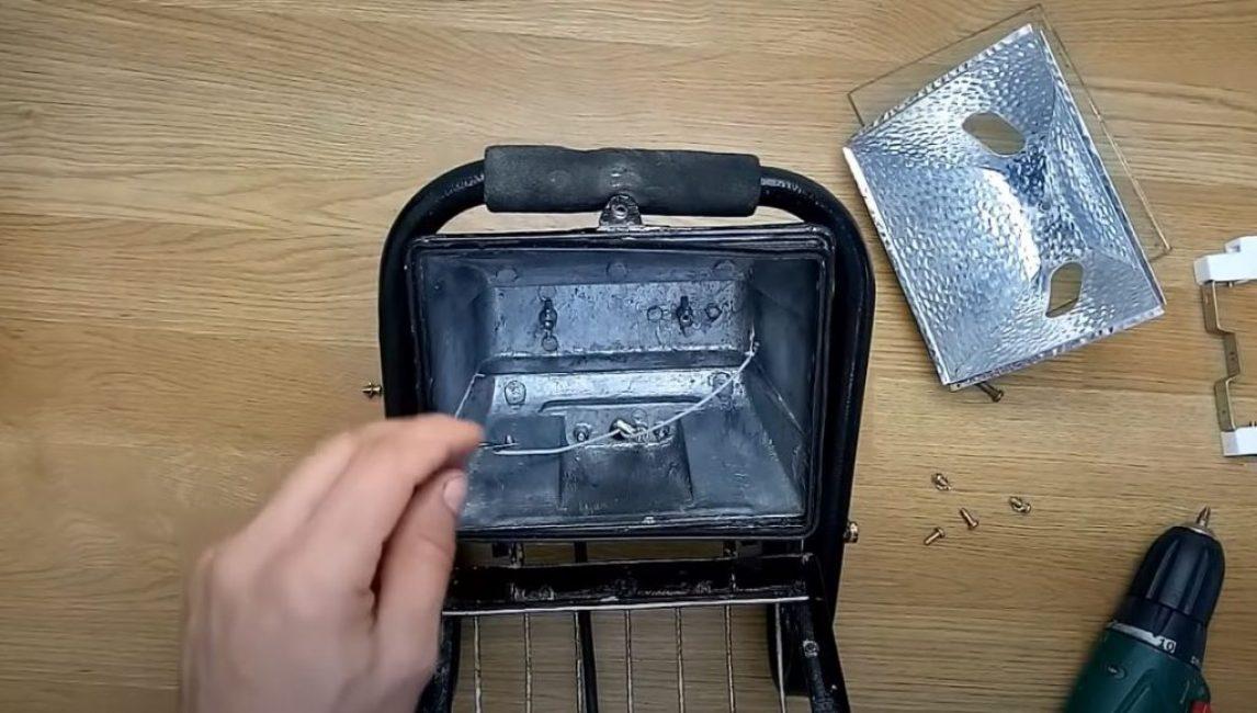 Полностью демонтируем систему электропитания