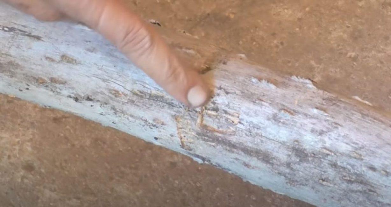 Вот такую глубокую вмятину оставляет обычный трубный ключ