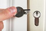Сломался ключ – не беда: мы расскажем как достать обломок из замка