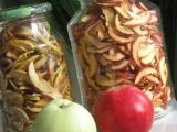 Как сушить яблоки на зиму в домашних условиях: на противне в духовке, электросушилке, микроволновке, при какой температуре   (Фото & Видео)