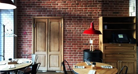 Все способы имитации кирпичной кладки для внутренней отделки помещения: дорогие и бюджетные, простые и виртуозные. Инструкция монтажа (80+ Фото & Видео)