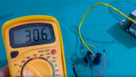 Как удвоить напряжение ⚡⚡ трансформатора без перемотки используя всего 4 детали